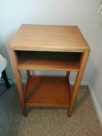 Solid oak vintage bedside table in excellent condition