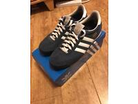 Men's adidas trainers Dragons size 9 blue and white