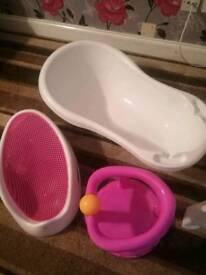 Bath and 2 bath seats