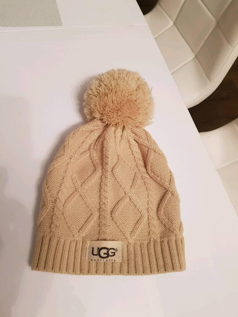 9816d65f3dc13 Ugg winter beanie hat size S