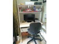 Very good quality desk and swivel chair