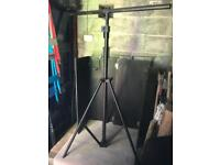 Heavy duty wind up light stand - Disco equipment