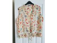 Lovely summer top size 12