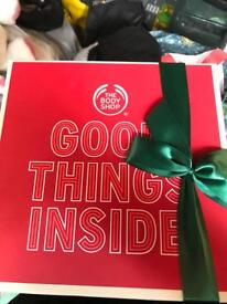 The body shop - strawberry gift set new