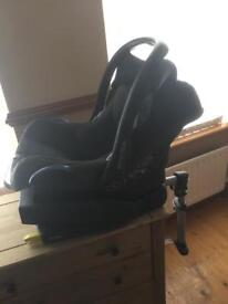 Maxi cosi isofix bass and seat