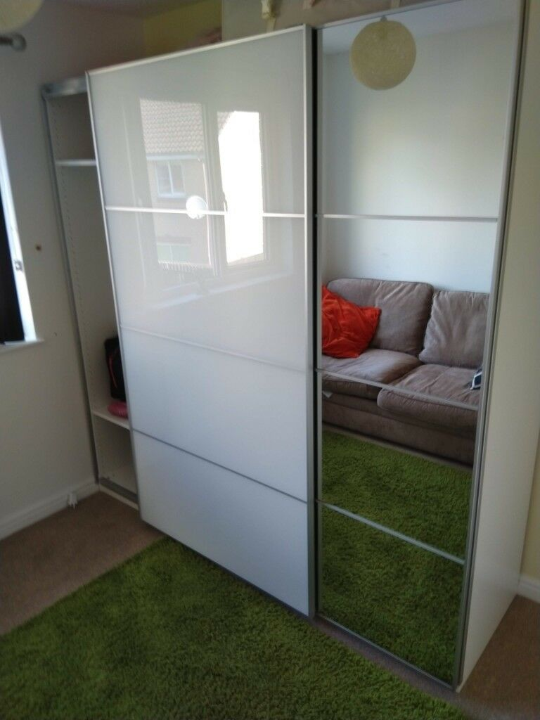 ikea pax auli farvik sliding wardrobe doors 200x201cm. Black Bedroom Furniture Sets. Home Design Ideas