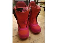 Burton emerald women's snowboard boots size 6.5 - almost new!