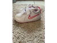 Girls Nike infant trainers 6.5