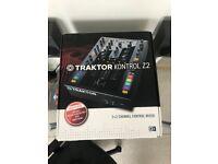 Native Instruments Traktor Z2 - DJ Mixer