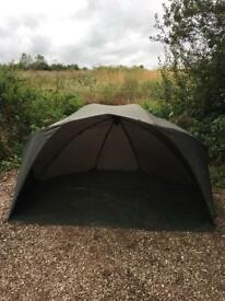 Fox super brolly with overwrap