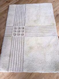 100% wool rug