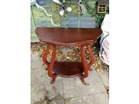 Smart little hall bent leg table, good condition