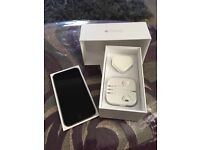iPhone 6 boxed all good on EE