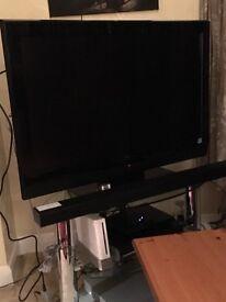 """Hitachi 37"""" HD flat screen TV"""