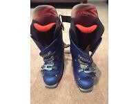 Ski boots mens size 8