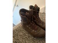 Altberg boots size 10