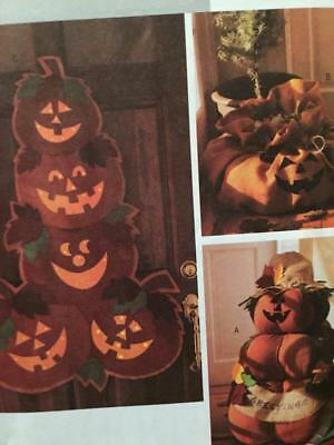 Butterick Sewing Pattern 3984 Outdoor Halloween Decorations Pumpkin Uncut](Halloween Crafts Decorations Outside)