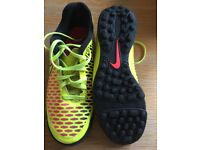 Football trainers football boots Nike size 6 as new