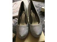 Diamontie shoes size 6