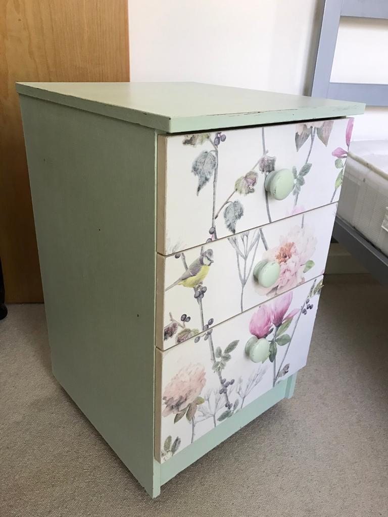 Narrow 3 drawers chest