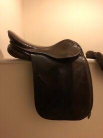 GFS working hunter show saddle