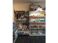 Shop retail shelving