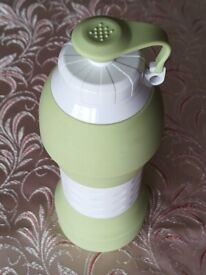 Water Bottle Soft Lightweight Fordable Silicone 580 ml Olive lightly used excellence condition