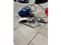 Pressure washer with accessories