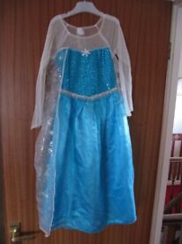 Frozen Elsa's dress size something like 6 to 7 or 7 to 8 years £3.00 pounds