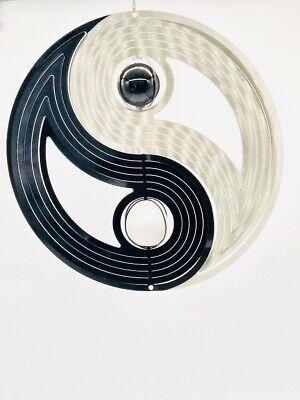 Windspiel YingYang schwarz/silber mit Glaskugeln schwarz/weiss