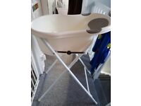 Tippi Toes Baby Bath with Folding stand