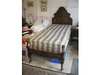 VICTORIAN VINTAGE SINGLE BED. ORNATE HEADBOARD/FOOTBOARD + MATTRESS. GREAT ORDER. VIEW/DELIVERY POSS