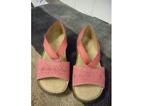 Ladies Hotter Pink Sandal - Size 6 1/2 NEW