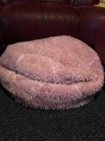 EXTRA LARGE FLUFFY PINK BEANBAG £10!!