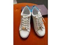 Women trainers shoes (Carvela)
