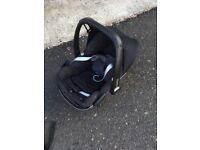 Maxi Cost Car Seat for newborn baby