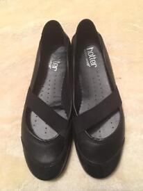Hotter shoes size 5 excellent condition black