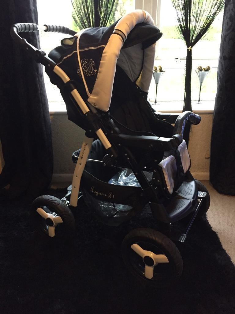 Gorgeous Pushchair stroller30perfect Walkingin Swindon, WiltshireGumtree - Beautiful pushchair immaculate condition hardly used everything clean spotlessReclines back has a foot muff with it and a nappy bagReclines back perfect for taking walksCollect North Swindon