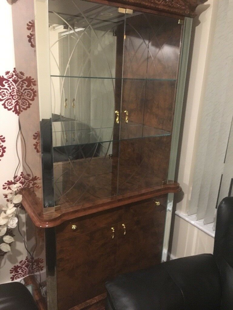 Modern Italian Display Cabinet NEW WALNUT 2 door