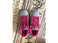 Sidewalk spots pink heelys shoes