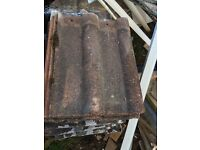 Free roof tiles in good condition