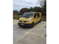 Renault Trafic Day Van.Insulated,Ply lined and carpeted.