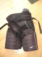 Nike Quest Hockey Pants - Size Junior Large
