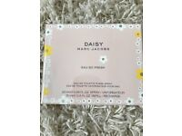 Marc Jacobs Daisy Eau so Fresh - unopened - purse spray and refill