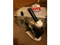Light microscope (price is negotiable as want gone)
