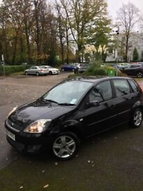 FORD FIESTA 1.25 ZETEC CLIMATE BLACK 5DR TOP OF RANGE FSH BARGAIN PRICED TO SELL @ JUST £1550 !!!