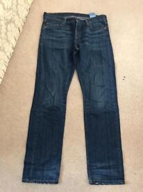 Ladies Levi jeans size 28 waist x 32 leg