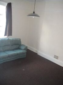 Studio Flat, Fallowfield, Available Now