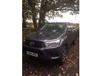 Toyota Hi-Lux NEW SHAPE 2016 , Extra Cab, Ex- Demo with Extras & only 11000 miles, ( NO VAT TO PAY )
