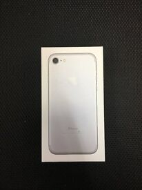 IPHONE 7 32GB SILVER EXCELLENT CONDITION APPLE WARRANTY TILL NOVEMBER